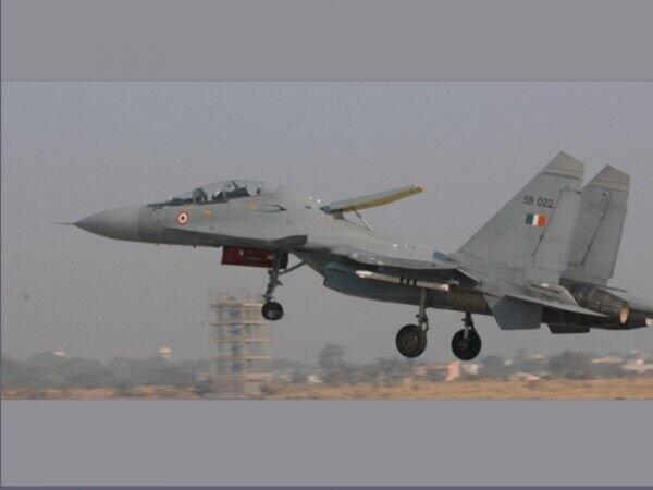 جنگنده نیروی هوایی هند سقوط کرد