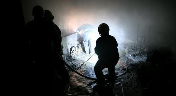 آتش سوزی بازار بزرگ تبریز مهار شد