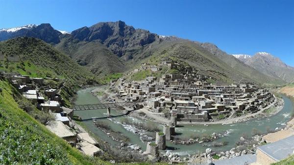 باستان شناسان به دنبال کشف آثار باستانی و شیوه زندگی ساکنان هورامان