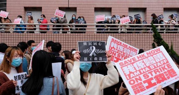 اولین فوتی ویروس کرونا در هنگ کنگ ثبت شد ، تعداد قربانیان به 427 نفر رسید