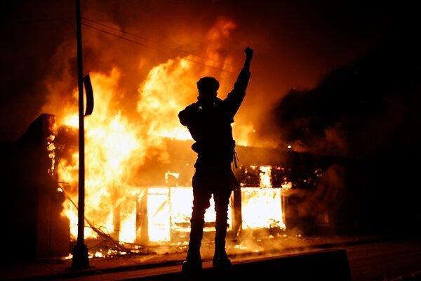 آمریکا در آتش و خون، جورج فلوید سمبل مبارزه با نژادپرستی