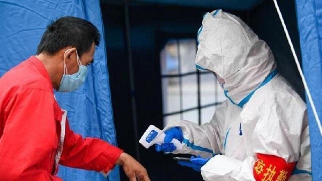 مبتلایان روزانه کرونا در چین دو رقمی شدند