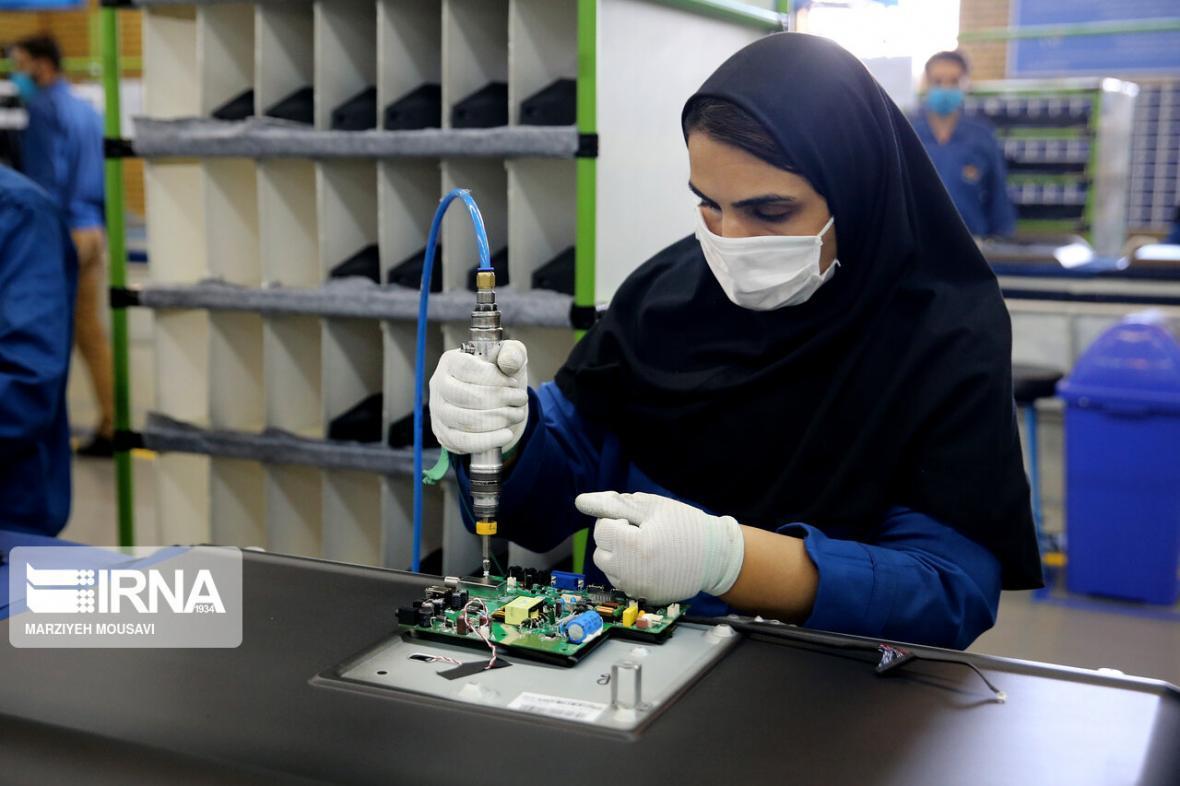 خبرنگاران استاندار: بیکاری استان یزد با ایجاد کارخانه و معدن حل نمی شود