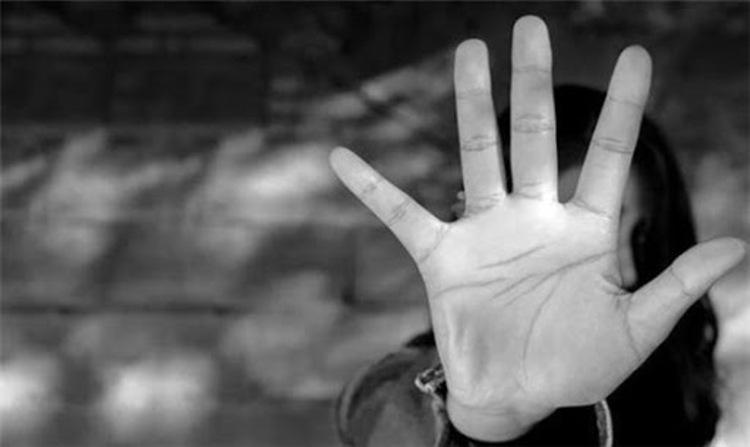 عاقبت تلخ دوستی اینترنتی زن متاهل با پسر جوان
