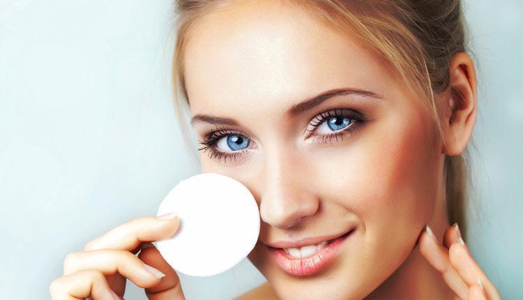 آموزش پاک کردن آرایش در خانه