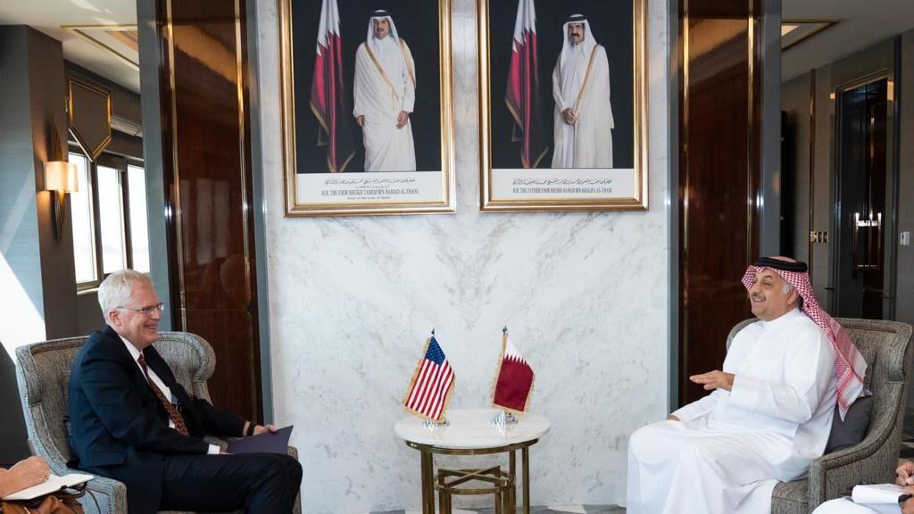 خبرنگاران وزیر دفاع قطر با سرپرست وزارت دفاع آمریکا ملاقات کرد