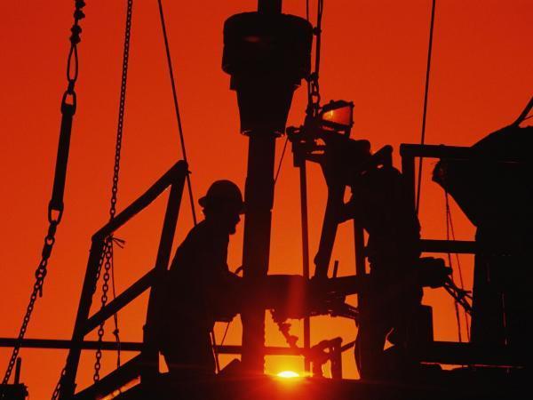 تداوم فرایند افزایشی شمار دکل های حفاری نفت و گاز آمریکا
