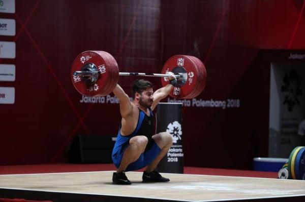 وزنه برداری قهرمانی آسیا، رستمی نقره گرفت و کارش برای کسب امتیاز بالا سخت شد