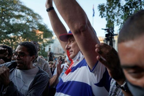 رائول کاسترو بازنشسته شد اما حزب کمونیست کوبا بر استمرار تاکید دارد