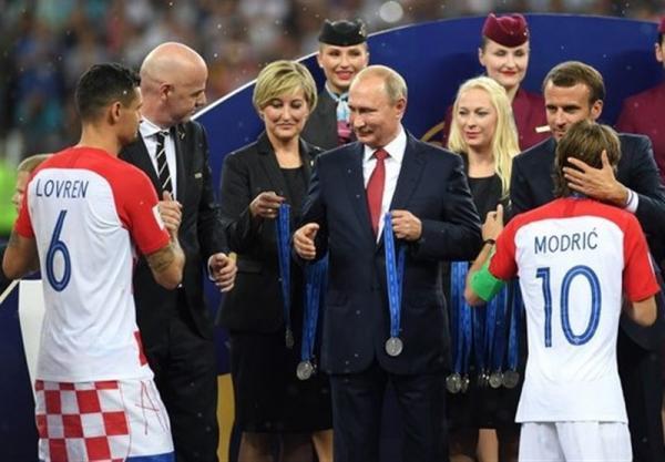 پوتین: مسکو دشواری های قطر برای آماده سازی جام جهانی 2022 را درک می نماید
